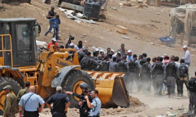إخلاء الخان الأحمر مسار آخر في نعش الديمقراطية الإسرائيلية